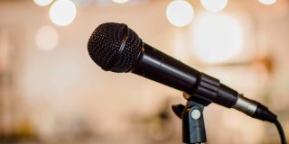 5 Ways to Help Your Emcee Host a Successful Event